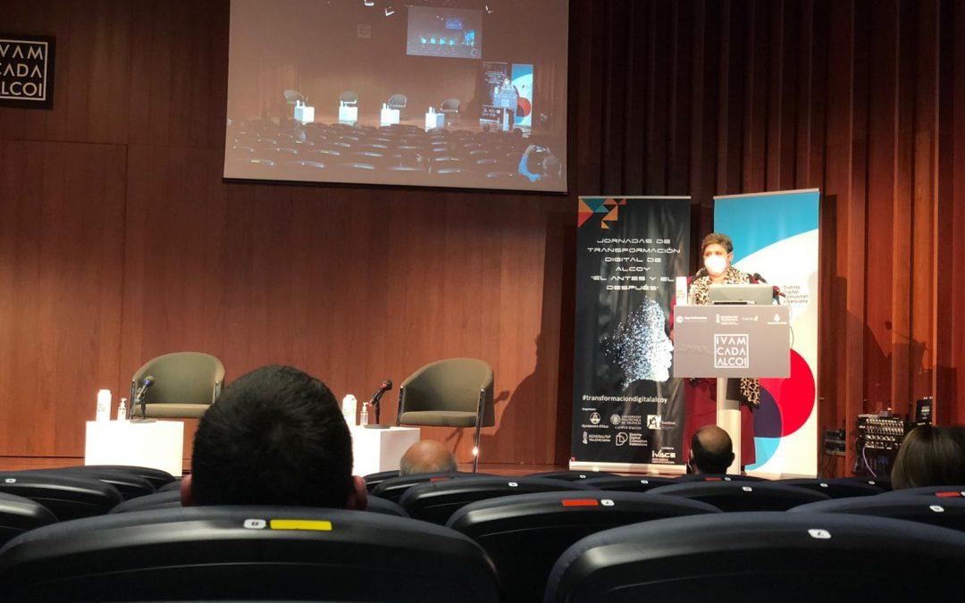 Conferencia de Luz Fabregat en las I Jornadas de Transformación Digital Alcoy (Alicante)